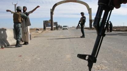Afghan forces struggle to retake Kunduz
