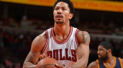 Chicago Bulls' Derrick Rose expected back in 2 weeks, report says