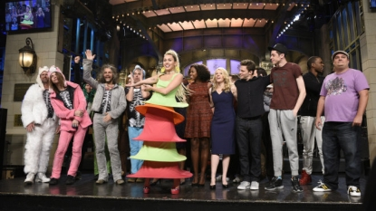 Hillary Clinton pokes fun at herself on 'Saturday Night Live' premiere