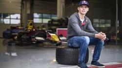 F1: Verstappen passes driving test