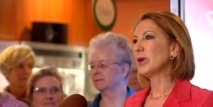 Fiorina Sings, Jabs Trump on Tonight Show