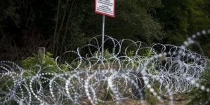 Hungary PM plans to seal Croatia border