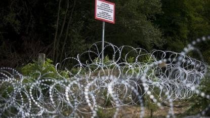 Hungary PM plans to seal Croatia border