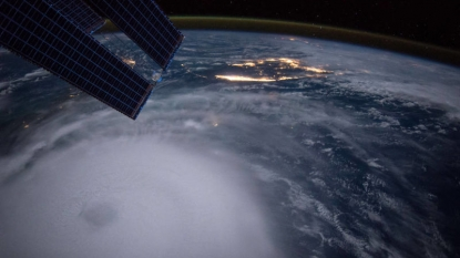 Joaquin turns north, brings swells to southeastern US coast