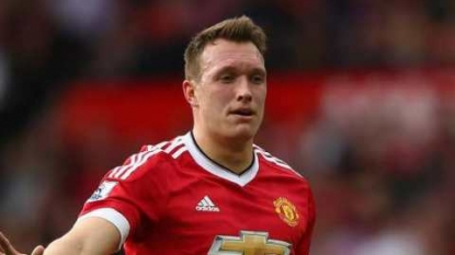 Man United: Midfielder boost for Van Gaal