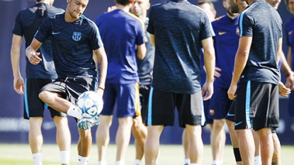 Luis Enrique defends Neymar