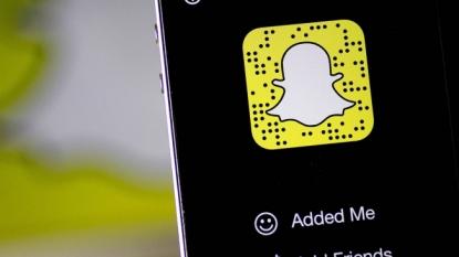 Snapchat's sponsored lenses will put branding all over your face