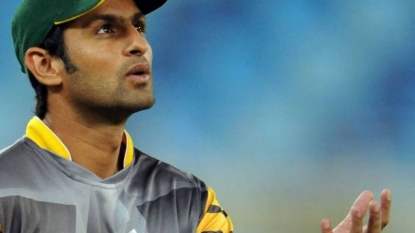 Pakistan Add Malik to Squad for England Tests