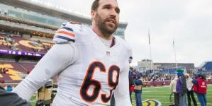 Bears deal DE Allen to Panthers