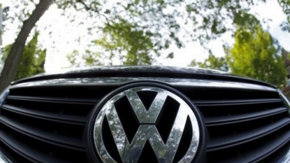 VW to fire 3 executives as emissions scandal deepens