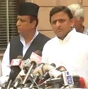 Ashutosh Targets Modi Over His Silence on Dadri Incident