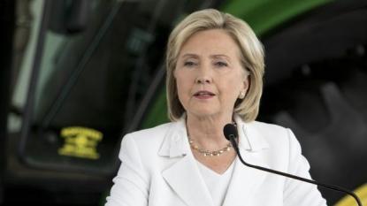 Why Hillary Clinton Should Fear Bernie Sanders' Fundrasing in 2 Charts