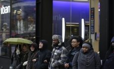 Demonstrators protest Laquan McDonald shooting for 5th day