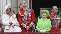 British guardsman collapses during Queen's birthday celebrations