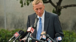 Florida mayor carjacked at gunpoint outside his home