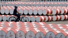 Oil prices edge up on tightening market