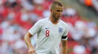 Rashford joins England training at World Cup base
